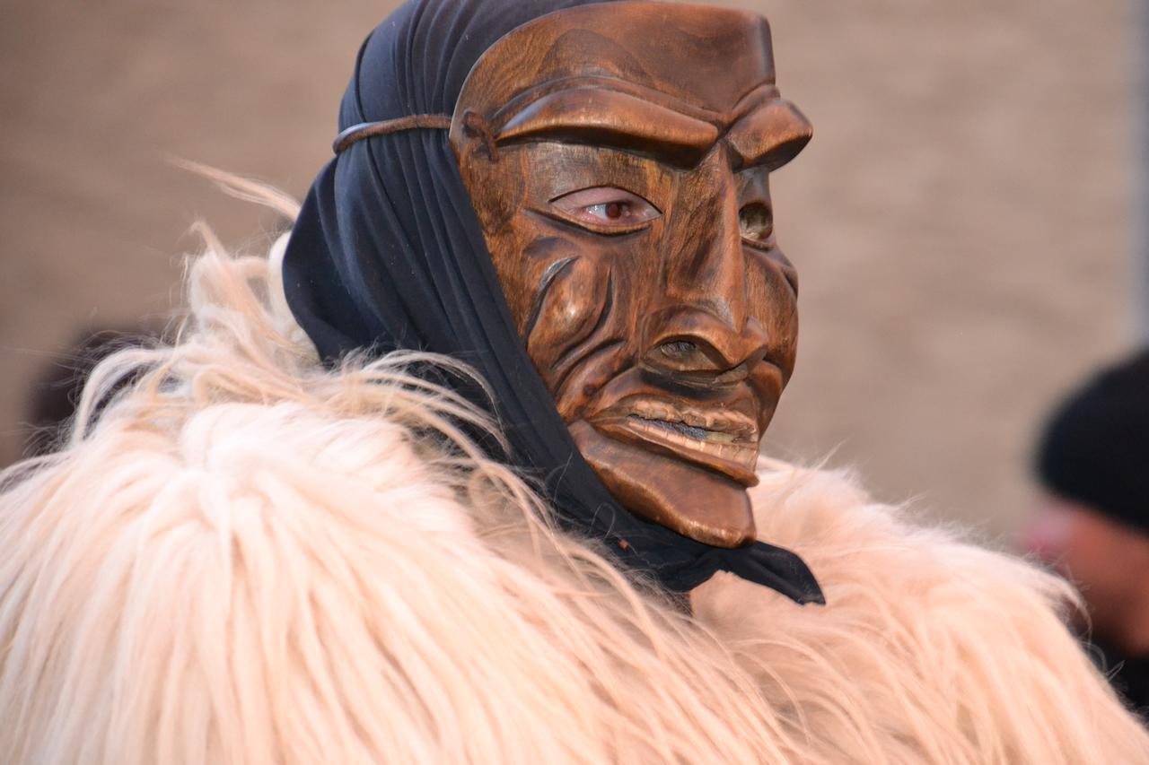 Al museo etnografico di Nuoro scene da un Carnevale in Sardegna
