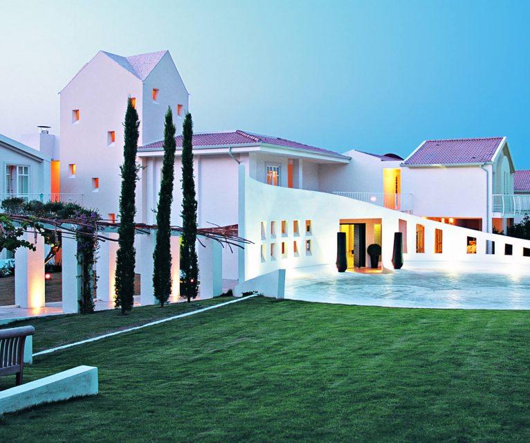 gruppo-felix-hotels-la-coluccia-ambienti-ingresso-tramonto