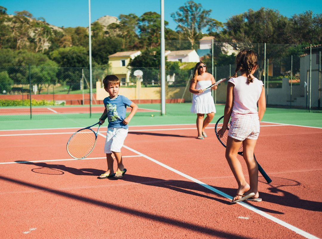 gruppo-felix-hotels-hotel-airone-baja-sardinia-arzachena-servizi-miniclub-servizi-miniclub-tennis