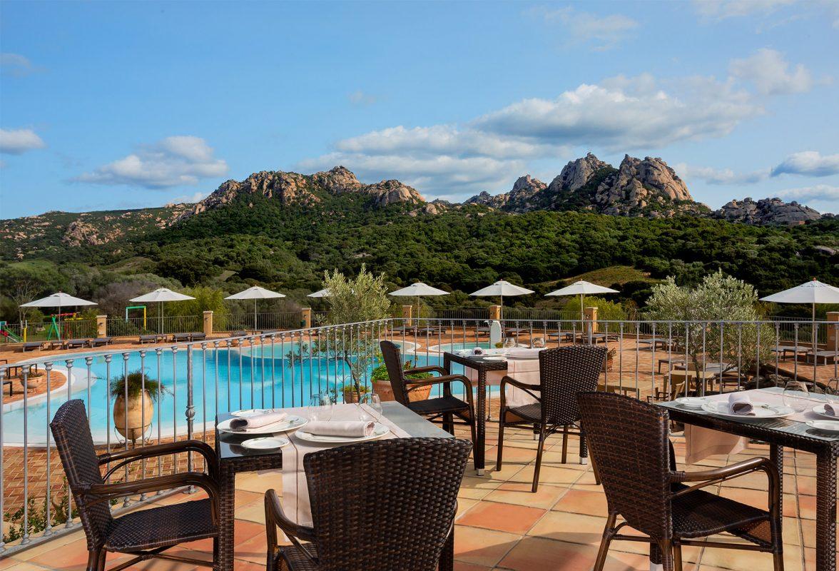 gruppo-felix-hotels-hotel-parco-degli-ulivi-arzachena-servizi-ristorante-terrazza-6