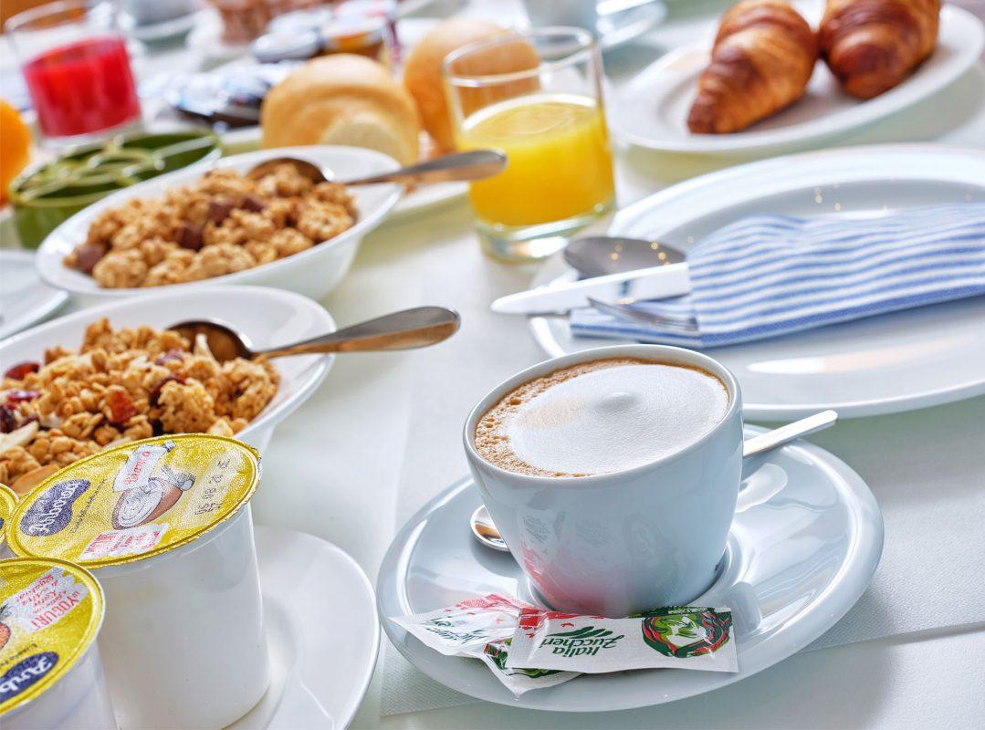 gruppo-felix-hotels-residence-porto-san-paolo-colazione-2